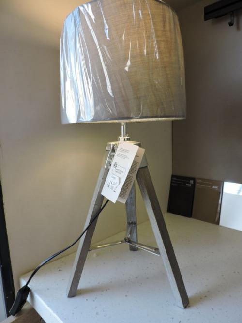lampe-3pieds
